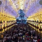 Toch grote drukte bij atypische ontsteking kerstverlichting in Málaga